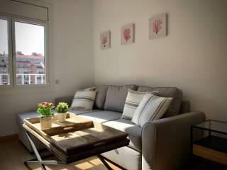 Foto - Piso de tres habitaciones muy buen estado, Sant Antoni, Barcelona