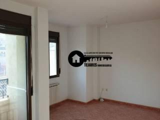 Foto - Piso de tres habitaciones buen estado, tercera planta, Elche de La Sierra