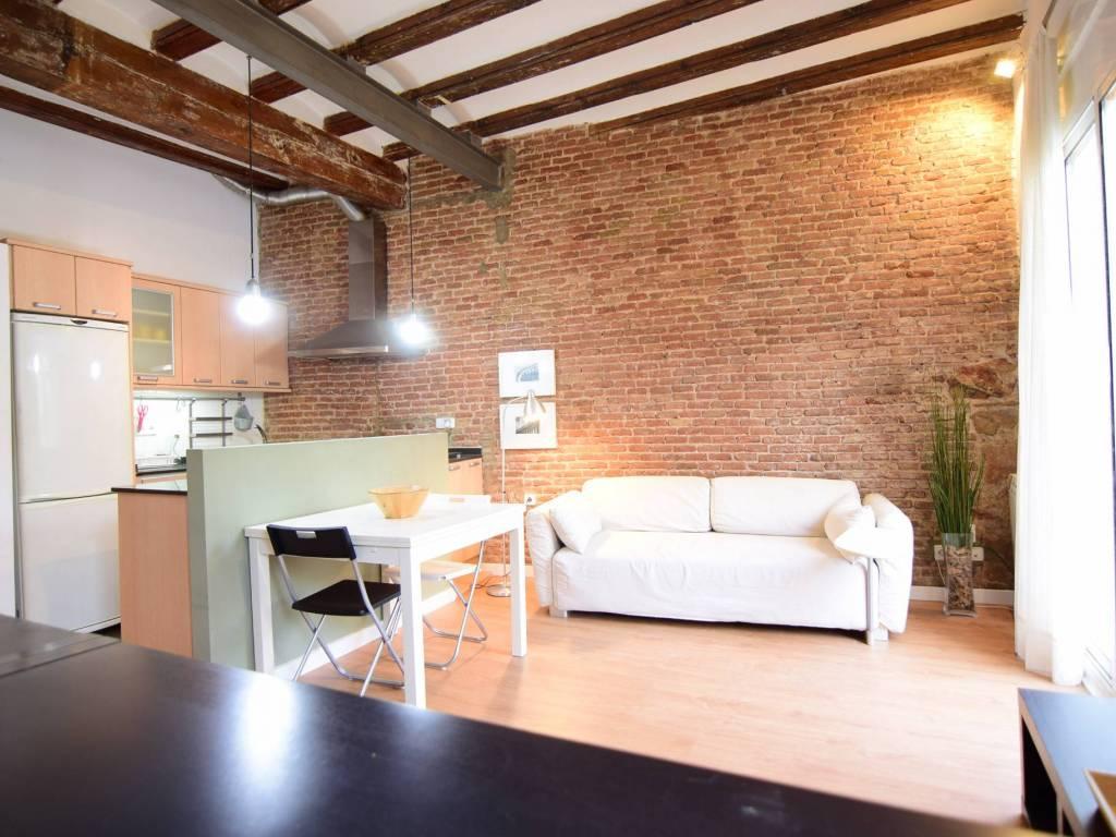 Alquiler Piso Barcelona. Estudio, Balcón, ref. 83668265