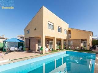 Foto - Casa unifamiliar, buen estado, 370 m², Villa de Otura