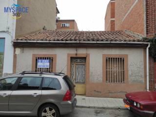 Foto - Casa unifamiliar, a reformar, 96 m², Santo Tomás, Universidad, Ávila