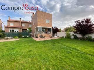 Foto - Casa unifamiliar, buen estado, 395 m², Encinillas