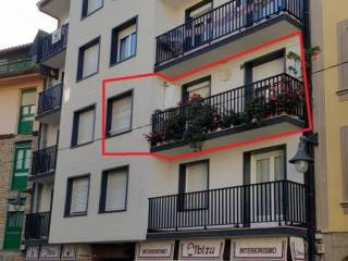 Foto - Piso de tres habitaciones a reformar, segunda planta, Zarautz