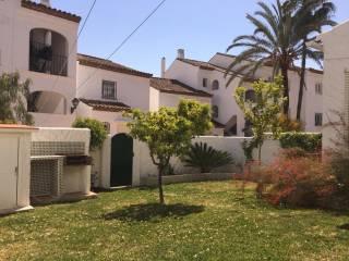 Foto - Piso de dos habitaciones buen estado, planta baja, El Paraíso, Atalaya, Benamara, Estepona