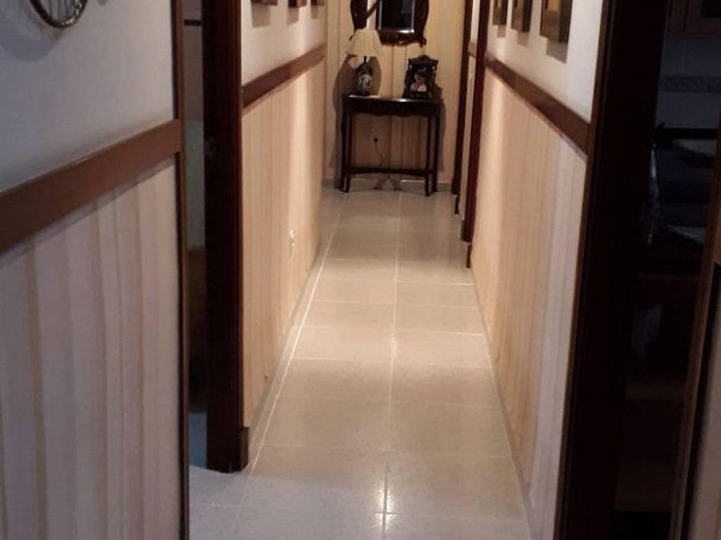 foto  Piso de cuatro habitaciones Calle ALFONSO XIII, Melilla