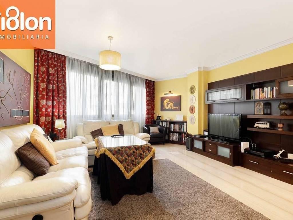 foto  Piso de tres habitaciones Avenida Andaluces, Alhama de Granada