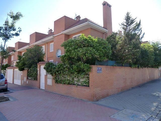 foto  Villa pareada Calle Minerva, Torrejón de Ardoz