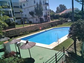 Foto - Piso de dos habitaciones Calle Nueva Atalaya, El Paraíso, Atalaya, Benamara, Estepona