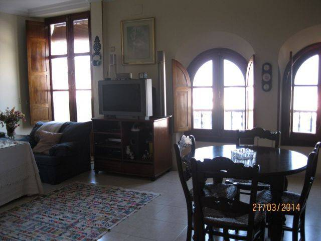 foto  Piso de cuatro habitaciones Calle AGUSTINA DE ARAGON, 2, Ceuta