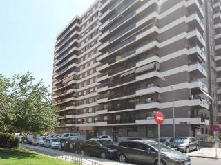 Foto - Piso de tres habitaciones Calle de Antonio López Aguado 9, La Paz, Madrid