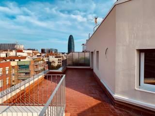 Foto - Piso de tres habitaciones muy buen estado, octava planta, El Camp de l'Arpa del Clot, Barcelona